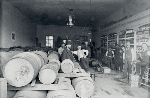 Missoula Mercantile Warehouse. Photo taken between 1900-1910.