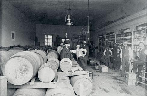 Missoula Mercantile Warehouse. Photo taken between 1900-1910.